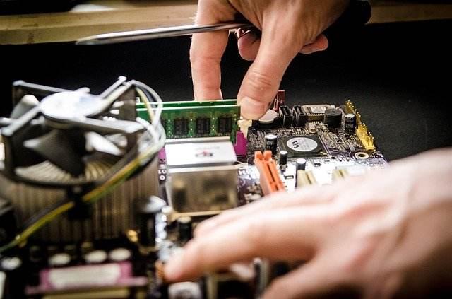 technicien en assistance informatique